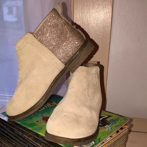 Like New Toms Booties suede girls sz 12 sparkle⭐️